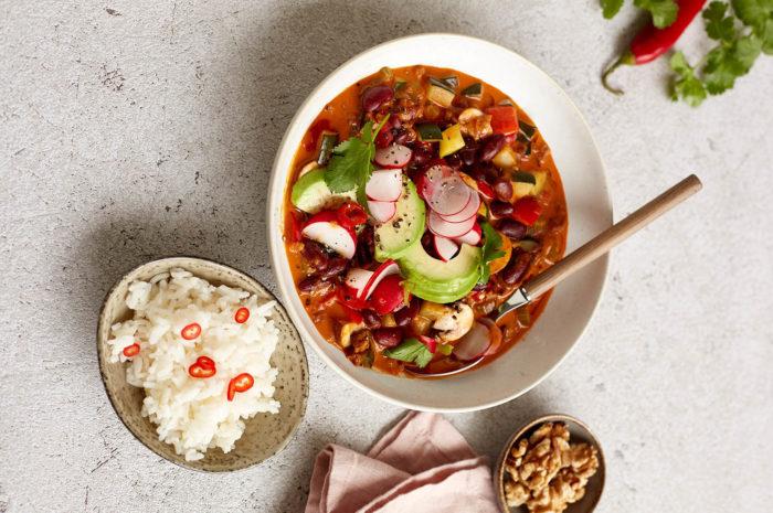 Spätsommerlich bunt: Chili con Nueces