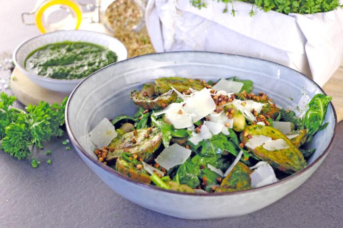 Kräuter-Kartoffelsalat mit geröstetem Buchweizen