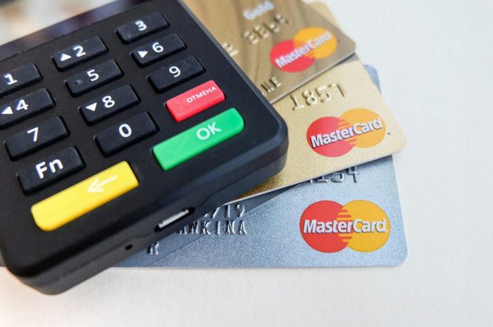 Deutsche wollen häufiger bargeldlos zahlen – wenn es denn ginge